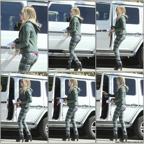 27.09.2013 - Leaving her parents house !