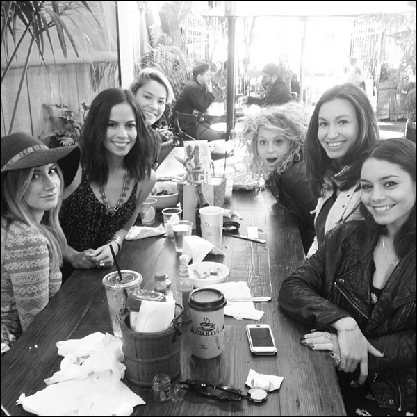 """Girls lunch for @Kimhidalgo birthday!!!"""