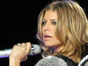 Fergie défend Christina Aguilera au Super Bowl