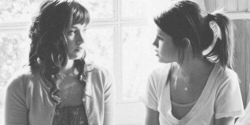 Chapitre 6- « L'amitié ne consiste pas seulement à voir les mêmes personnes régulièrement. C'est un engagement, une promesse, de la confiance, c'est être capable de se réjouir du bonheur de l'autre »