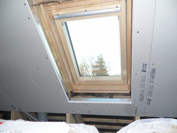 1er mars 2012 jou e du velux salle de bains notre maison mikit dans le morbihan. Black Bedroom Furniture Sets. Home Design Ideas
