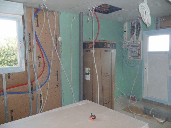 15 avril 2012 pose de placo sur les contre cloisons notre maison mikit dans le morbihan. Black Bedroom Furniture Sets. Home Design Ideas