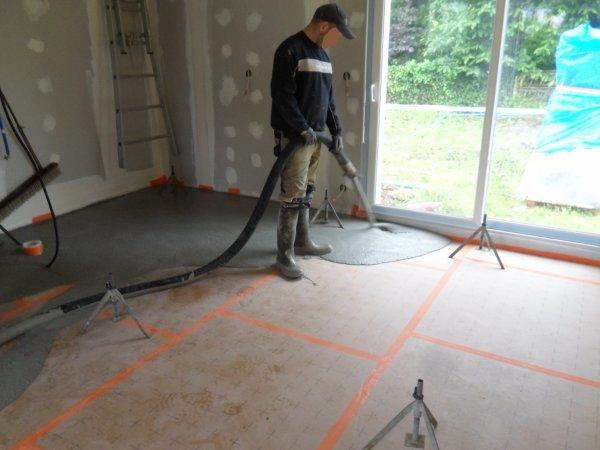 3 juillet 2012 la chape liquide le coulage notre for Temps de sechage chape liquide ciment