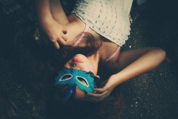 Sois unique. Sois vrai. Sois libre. Sois toi-même. Parce que la vie est bien trop courte pour être quelqu'un que tu n'es pas.