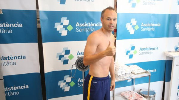 Le FC Barcelone 2015/16 réalise les tests médicaux