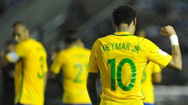 Neymar et Messi, buteurs victorieux en sélection