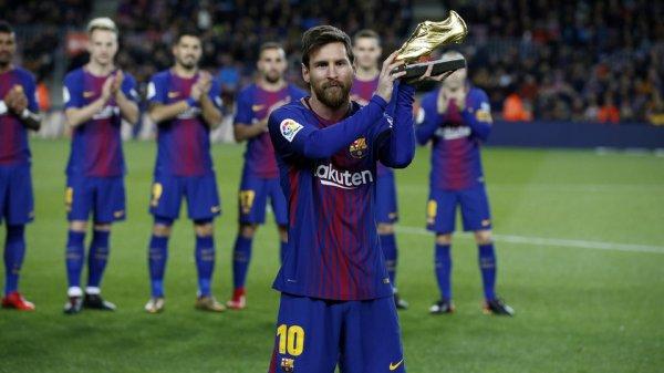 Leo Messi offre son 4ème Soulier d'Or Européen au Camp Nou