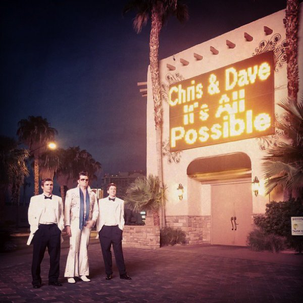 "Christopher Mintz-Plasse & Dave Franco pour ""It's All Possible LG"" PAR 1"