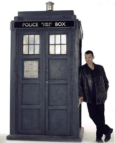 9th Doctor and the TARDIS