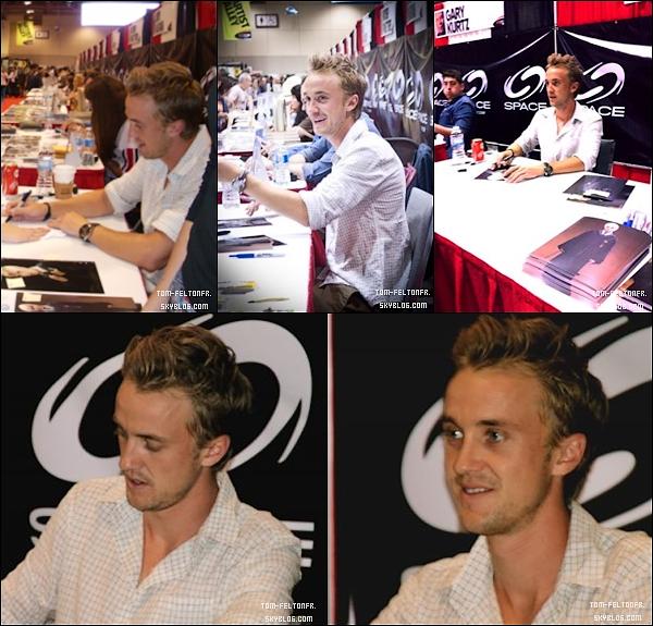 - Samedi 27 Août: Tom était encore et toujours présent à la fan Expo de Toronto. -