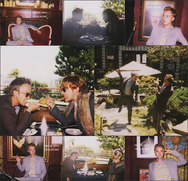 - Des nouvelles photos de Tom et Rupert pour la campagne d'images Automne/Hiver de Band of Outsiders.Sur les photos ou Tom est seul, il imite les personnes des cadres derrière lui, j'adore. Et puis, ils sont toujours magnifiques. -