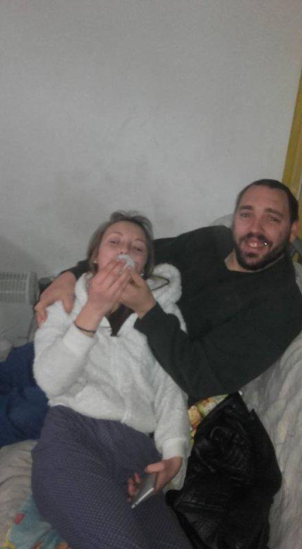voila la niece a mon homme 15ans et tjr o bibi mdr