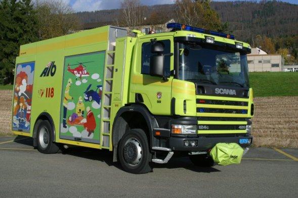 v u00e9hicule du centre de renfort d u0026 39 incendie et de secours de