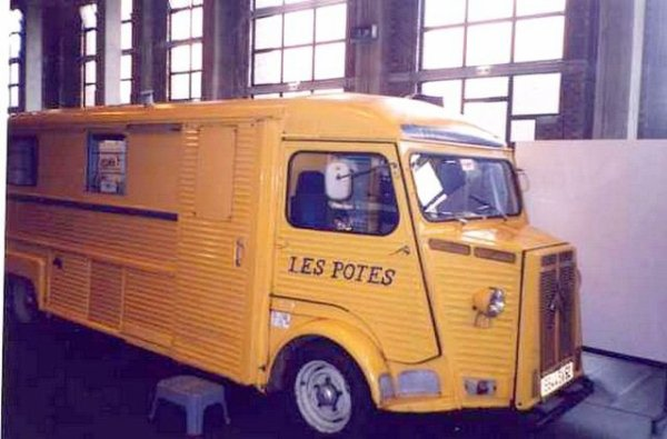 Un rare Citroën Hy  Rallongé ex bureau mobil