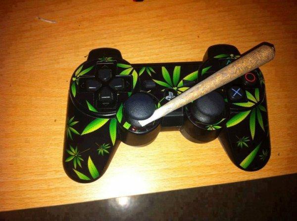 SmokeWeedAndPlay