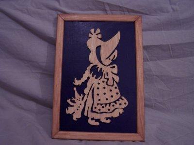 Découpage sur bois - 136 (Fillette a la poupée)