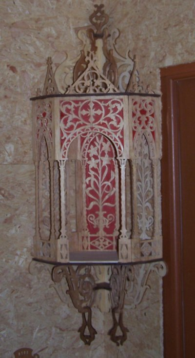 Découpage sur bois - 160 (Niche d'angle style gothique)