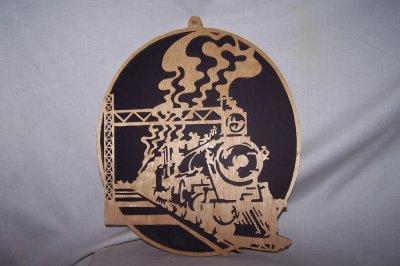 Découpage sur bois - 172 (Locomotive vue en perspective)