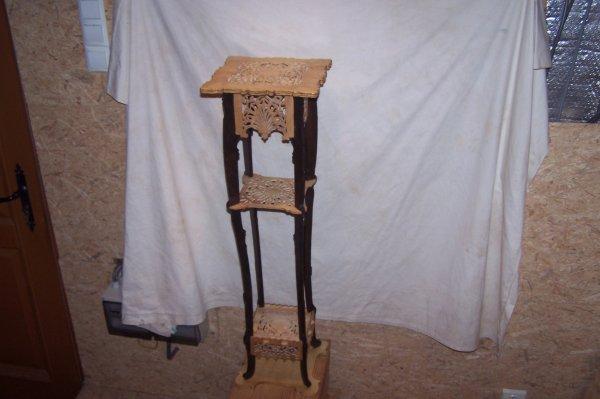 Découpage sur bois - 175 (Tablette piédestal italienne)
