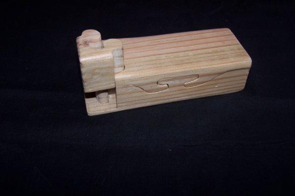 Découpage sur bois - 188 (Boîte à Secret)