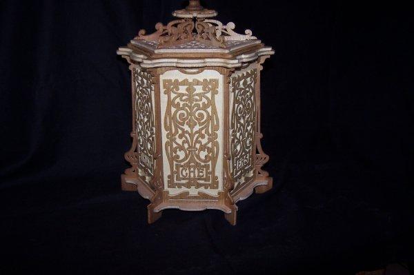 Découpage sur bois - 193 (Boîte à Thé)