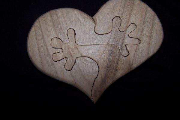 Découpage sur bois - 212 (Coeur a Mains) - en Chataignier de 20MM