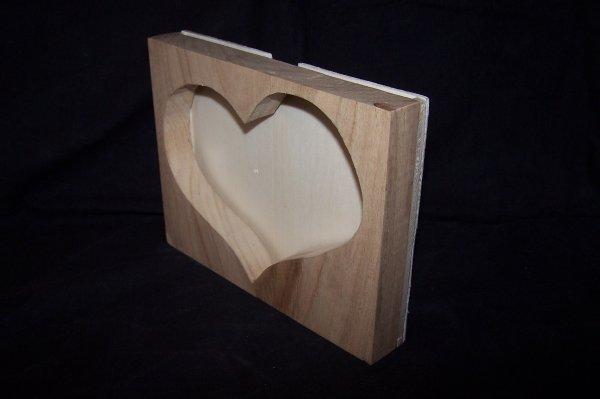 Découpage sur bois - 213 (Cadre Photos {Ext Coeur à Mains}) - en Chataignier de 20MM