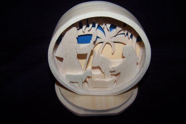 Découpage sur bois - 234 (Crèche en Boîte)