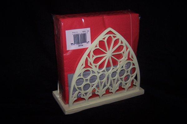 Découpage sur bois - 239 (Porte serviettes style Gothique)