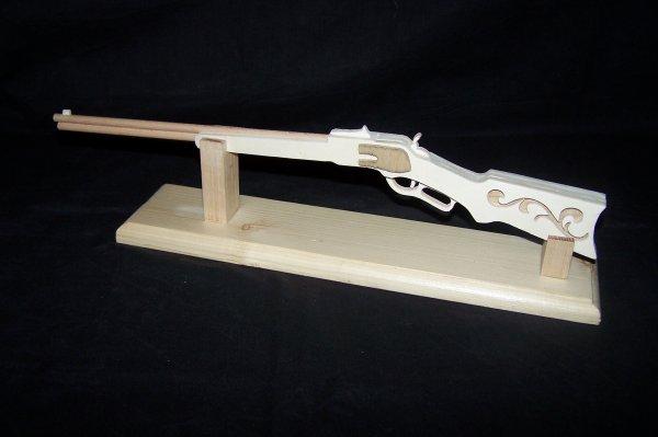 Découpage sur bois - 249 (Winchester modele 1867)