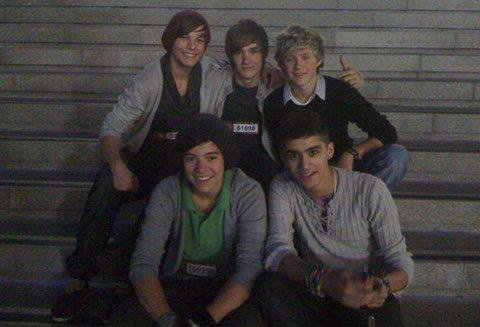 Happy Birthday One Direction !