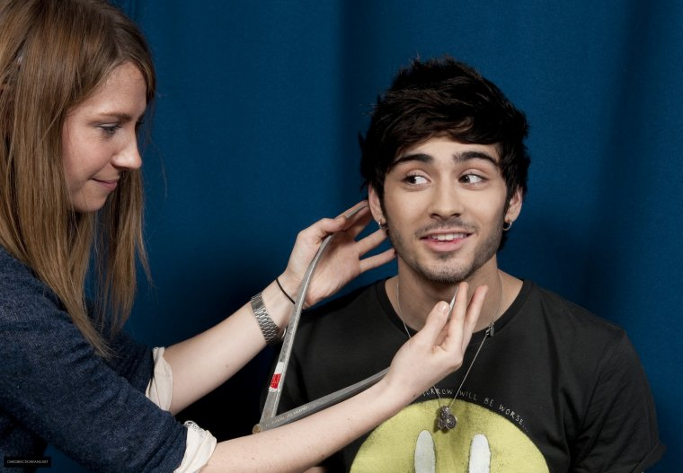 ONE DIRECTION GETTING THEIR WAX FIGURES AT MADAME TUSSAUDS
