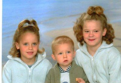ma petite soeur et mon petit frere et moi