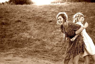 Que la douceur de l'amitié soit faite de rires et de plaisirs partagés.
