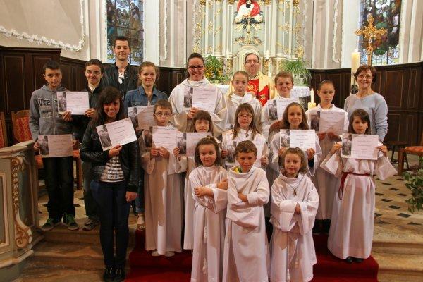 Remise de diplômes aux servants d'autel à Freybouse le 8 mai 2013