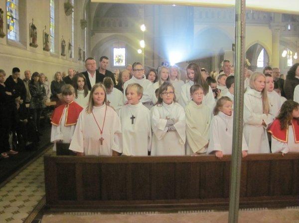 Messe de départ de l'abbé Gérard Kaiser et installation du nouveau prêtre l'abbé Epiphane Ayih-Akakpo à Grostenquin le dimanche 15 septembre 2013.