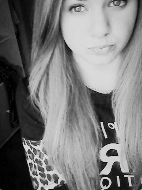 • Etre amoureuse c'est bien, quand c'est réciproque c'est mieux. ♥