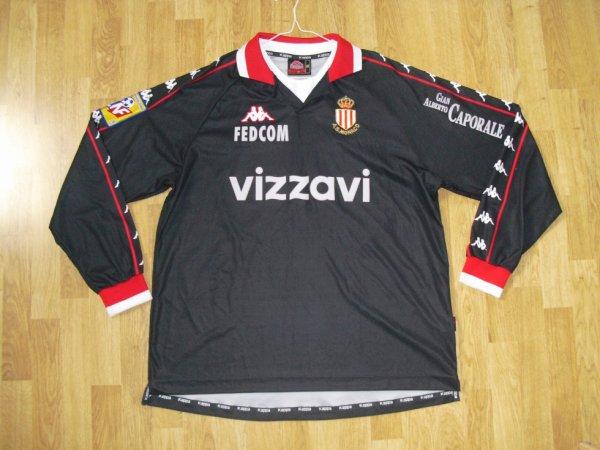 Maillot extérieur saison 2000-2001 floqué QUINTERO (de face)
