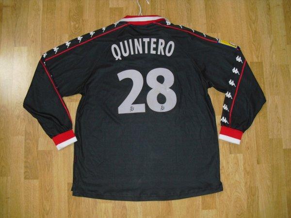 Maillot extérieur saison 2000-2001 floqué QUINTERO (de dos)