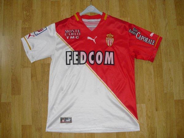 Maillot domicile saison 2001-2002 floqué GALLARDO (de face)