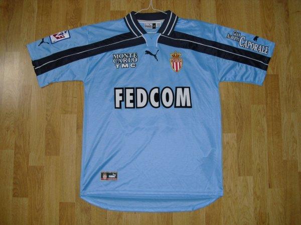 Maillot extérieur saison 2001-2002 floqué BONNAL (de face)