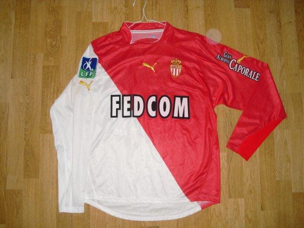 Maillot domicile saison 2003-2004 floqué EVRA (de face)
