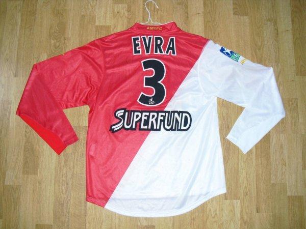 Maillot domicile saison 2003-2004 floqué EVRA (de dos)