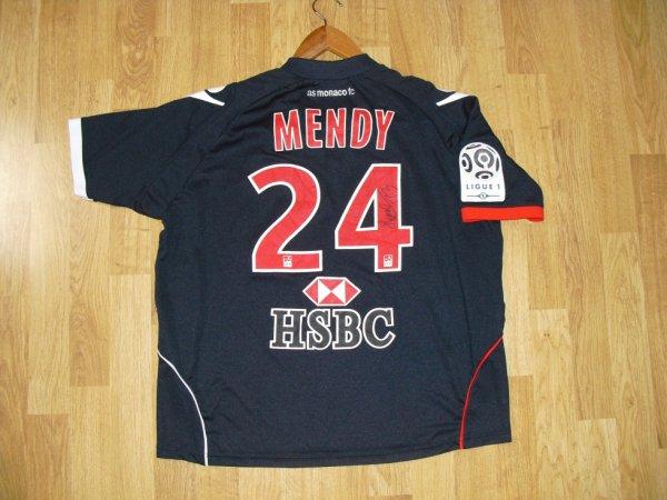 Maillot extérieur saison 2010-2011 floqué MENDY (de dos)