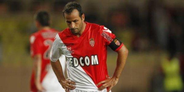 Maillot domicile saison 2011-2012 floqué GIULY (de dos)