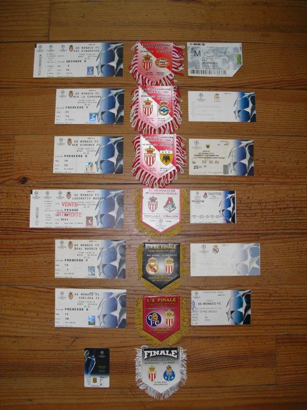 Ensemble des tickets et fanions de matchs de Ligue des Champions 2003/2004