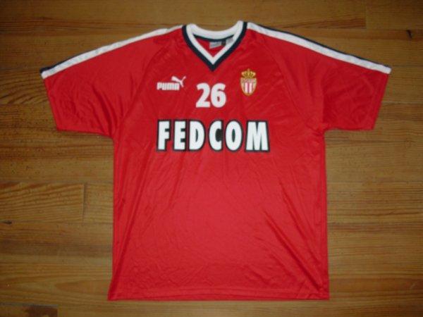 Maillot entrainement saison 2003/2004 floqué 26 (CAMARA) (de face)
