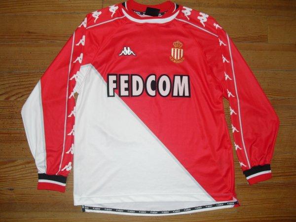 Maillot domicile saison 1999-2000 floqué SIMONE (de face)