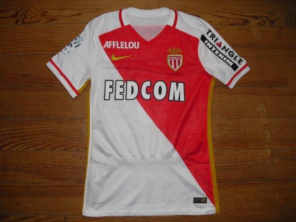 Maillot domicile saison 2015-2016 floqué MOUTINHO (de face)