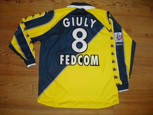 Maillot extérieur saison 1998-1999 floqué GIULY (de dos)